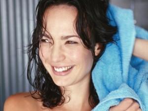 78606985-towel-dry-hair