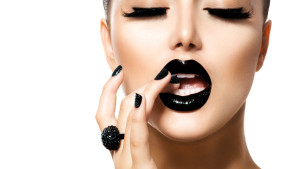Pretty-Woman-With-Black-Lipstick