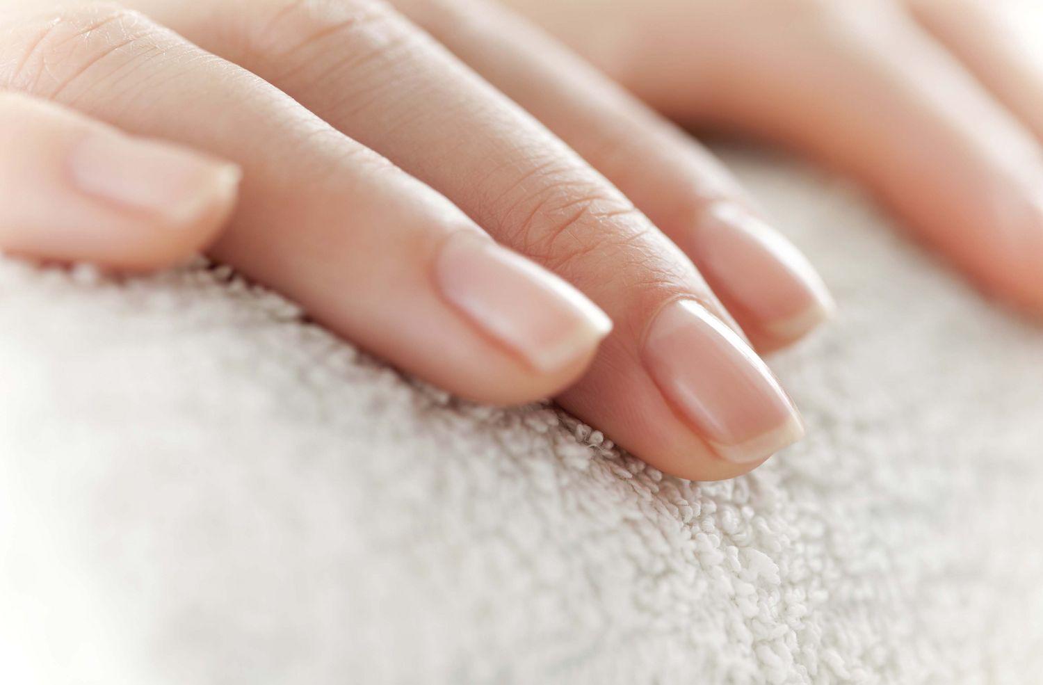 gel-manicure-dermatologist-nail-healthy-main