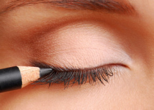 how-to-apply-eyeliner_1