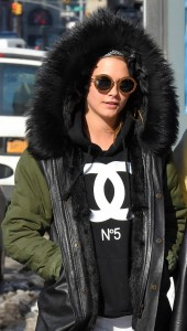 meet-the-outerwear-designer-cara-delevingne-and-rihanna-love-1609683-1451417834.640x0c