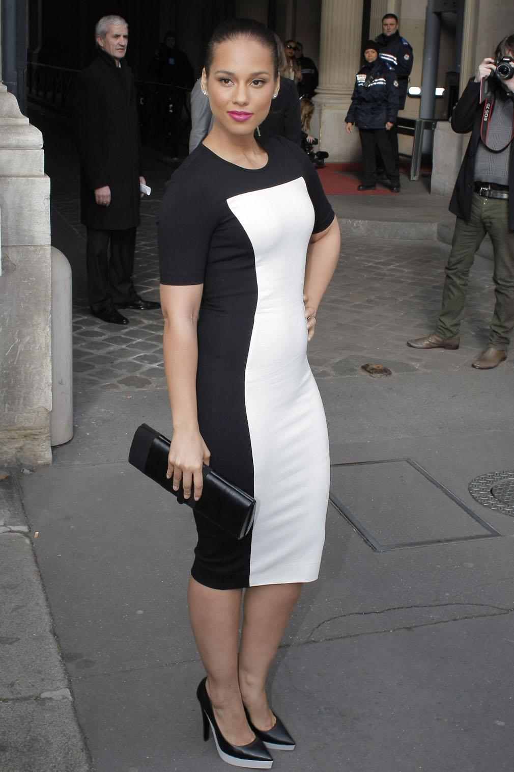 Alicia-Keys-Arrived-At-The-Stella-McCartney-Fashion-Show