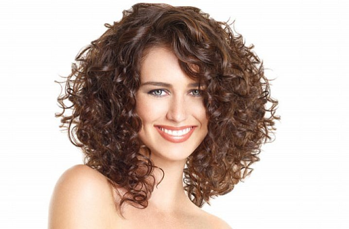 Hair-Products-for-Curly-Hair-e1415473553409