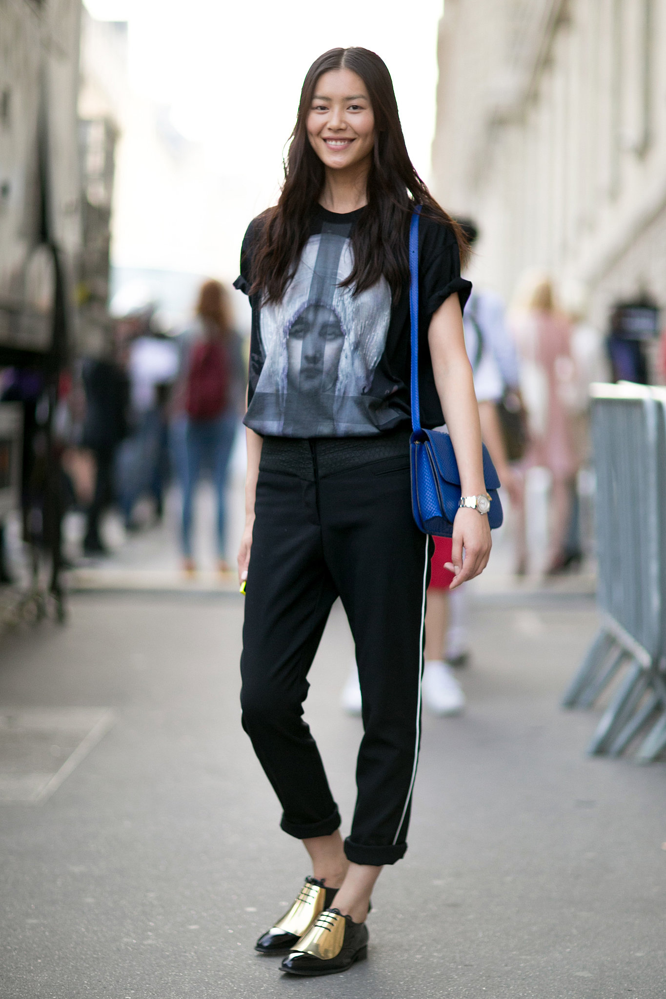 Liu-Wen-styles-up-her-look-snazzy-kicks