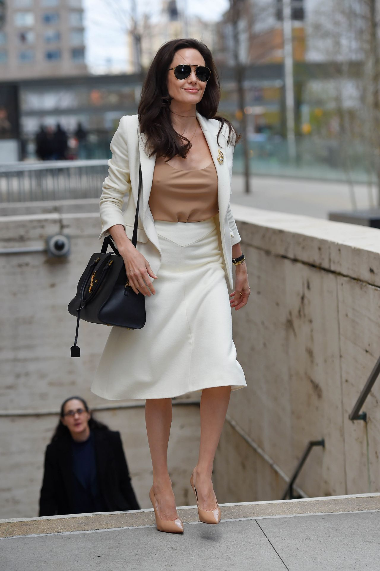 angelina-jolie-style-leaving-the-lincoln-center-in-nyc-april-2015_1