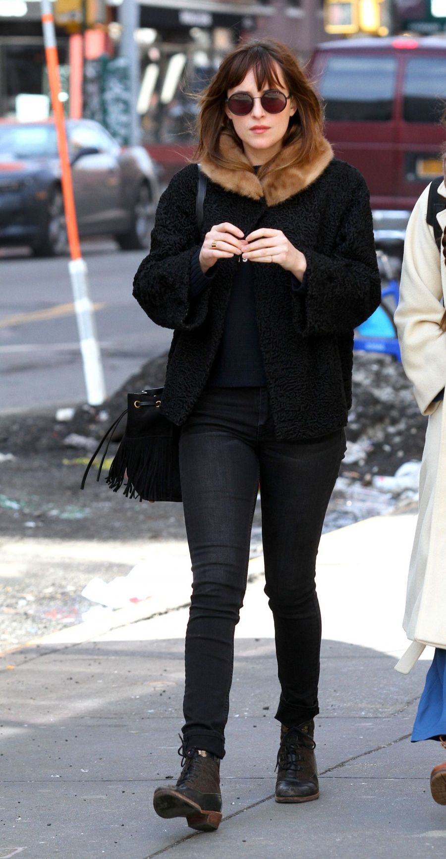 dakota-johnson-street-style-out-in-new-york-city-march-2015_9