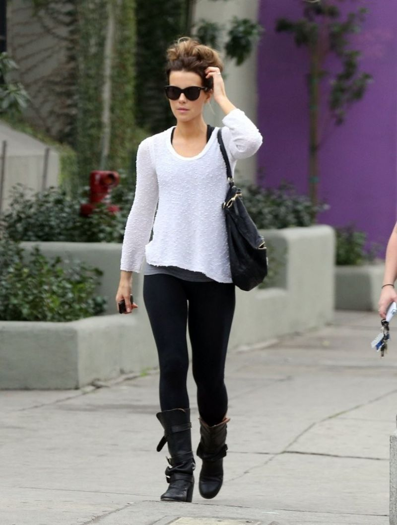 kate-beckinsale-street-style-out-in-west-hollywood-january-2014_3