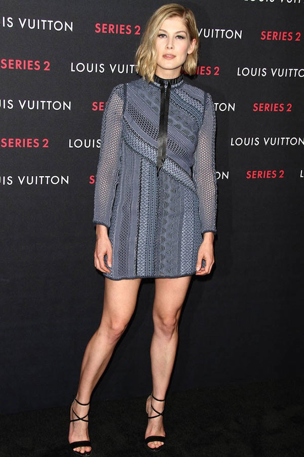 style-rosamund-pike-louis-vuitton-resized-600x900