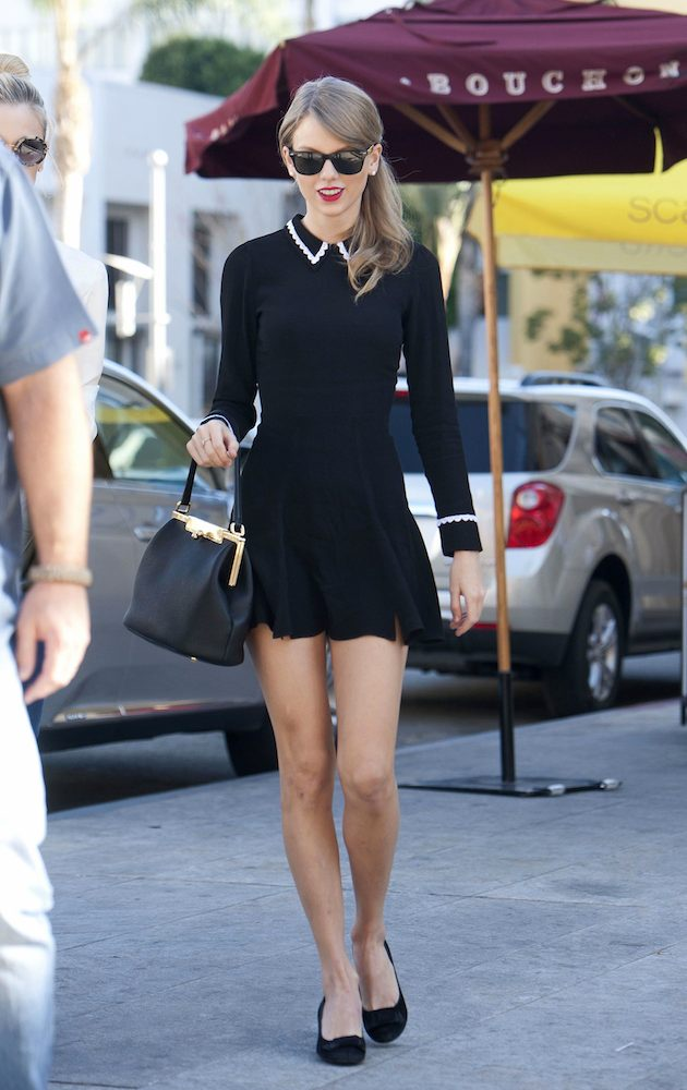 ©BAUER-GRIFFIN.COM FOR USA SALES: Contact Randy Bauer (310) 910-1113 bauergriffinsales@gmail.com FOR UK SALES: Contact Caroline 44 207 431 1598 MUST BYLINE: EROTEME.CO.UK Taylor Swift and Jaime King go for lunch in beverly hills. EXCLUSIVE January 20, 2014 Job: 140120NQ1 Los Angeles, CA USA www.bauergriffin.com