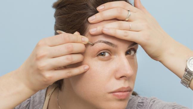 eyebrow-plucking-136397429531703901-150409151906