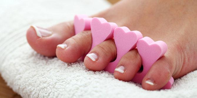 tips-merawat-kebersihan-kuku-kaki