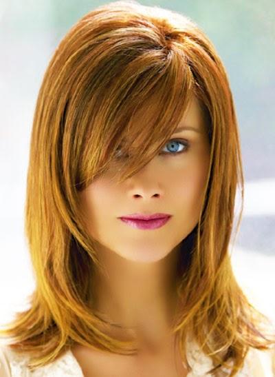 model-rambut-sebahu-poni-panjang