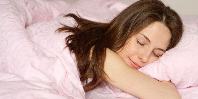7-ritual-cantik-agar-tidur-nyenyak (1)