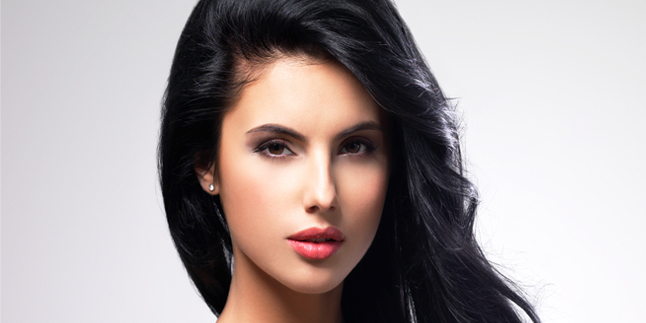 tips-make-up-bagi-pemilik-rambut-hitam-3b81fe