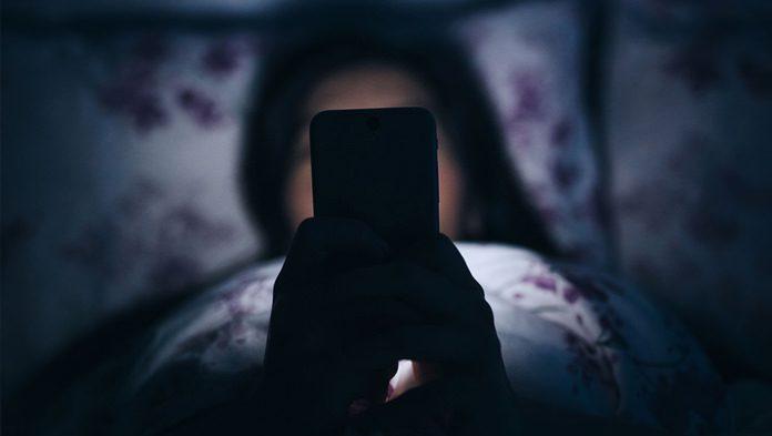 5 Kesalahan Penggunaan Smartphone yang (mungkin) Setiap ...