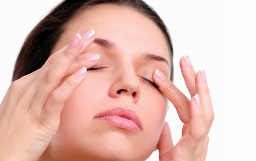 Макияж для больных глаз